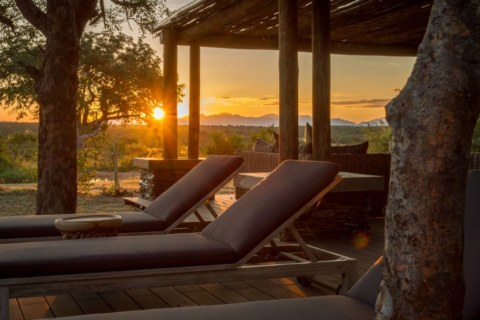 imagine-africa-lounger-sunset