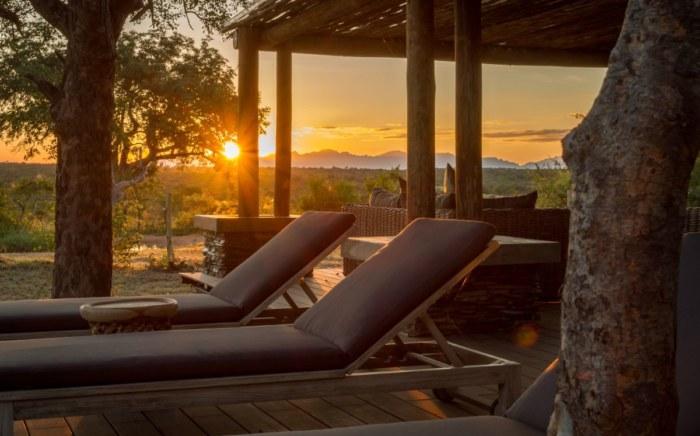 imagine-africa-lounger-sunset